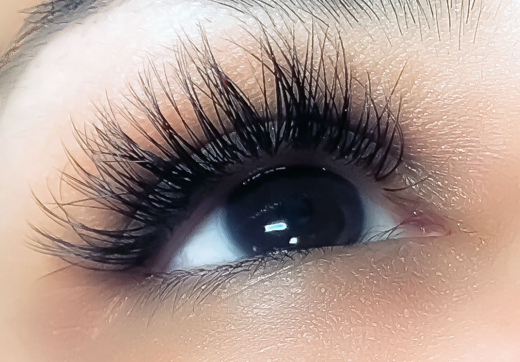 Eyelash Extensions Delivered To Your Door In Houston